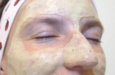 Aplikace masky na pleť